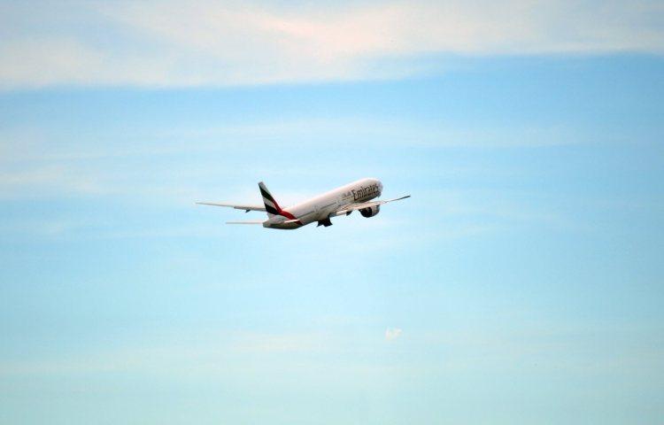 uae_emirates_flight_airplane_airliner_large_big_international-593376